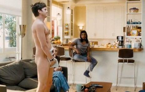 Ashton Kutcher:  sempre a suo agio davanti alla telecamera … anche  nudo!