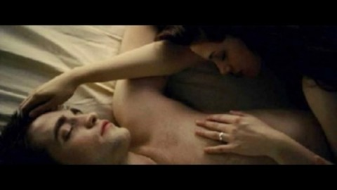 "Breaking Dawn, la scena di sesso ""risveglia"" Robert Pattinson e Kristen Stewart"