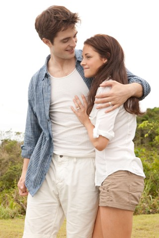 Twilight Saga Breaking Dawn: valanga di nuove foto per Edward e Bella
