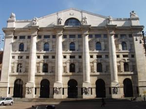 Piazza Affari salvata dai titoli bancari