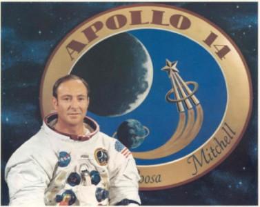Edgar Mitchell astronauta Apollo 14 crede negli UFO
