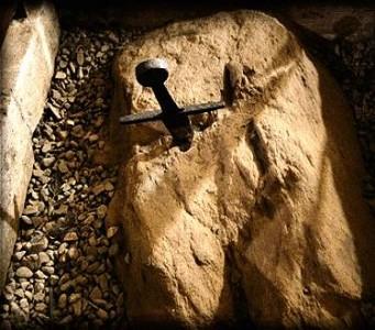 La leggenda della spada nella roccia di San Galgano