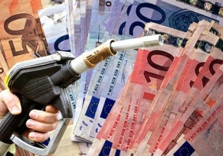 Prezzo benzina: oltre 2 euro al litro