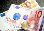 Prestiti in calo e tassi mutui in crescita