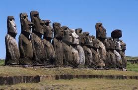 Le misteriose statue dell'isola di Pasqua: i Moai.