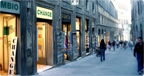 Effetto Imu: 150mila negozi a rischio chiusura