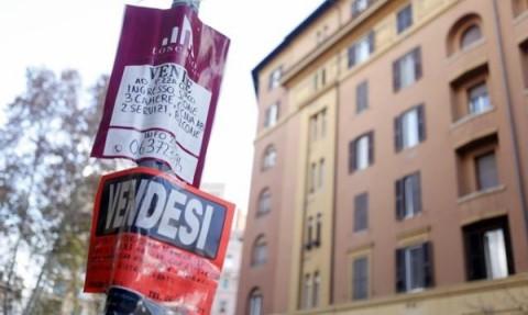 Mercato immobiliare ancora in crisi