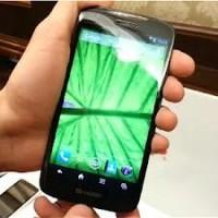 Sharp Aquos Phone SH 930 W 1
