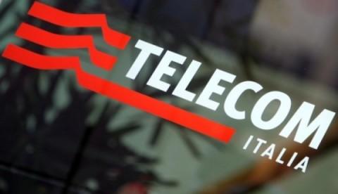 Telecom Italia, utili e ricavi in calo