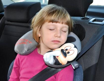 Viaggiare comodi con Cuscino da viaggio Mickey Mouse