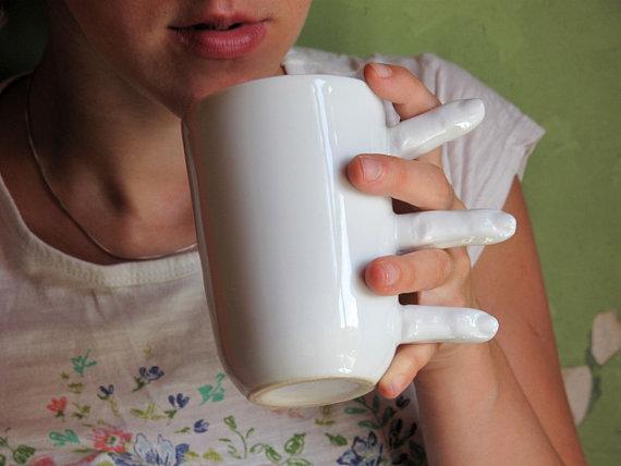 Finger Mug, la tazza che vi da una mano