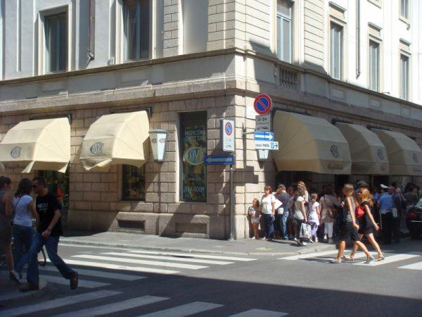 Pasticceria Cova diventa francese