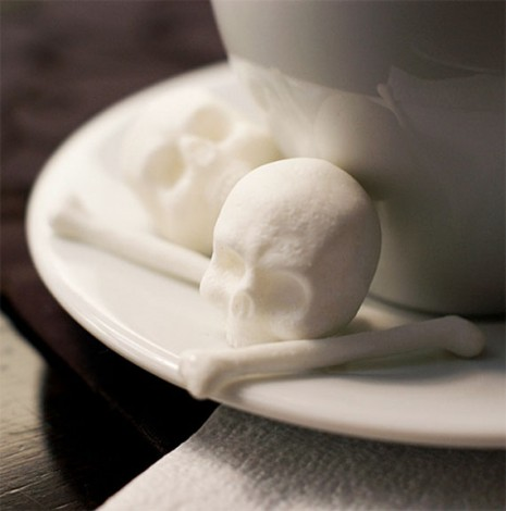 Teschio ed ossa di zucchero