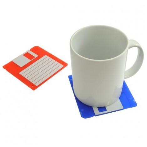 I vecchi floppy disk diventano originali sottobicchieri