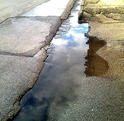 Si perde per strada un litro di acqua su tre