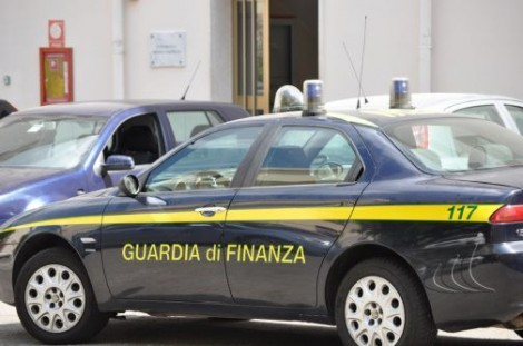 Corruzione: 5 funzionari Equitalia indagati