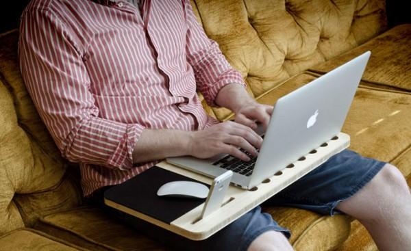 Mobile AirDesk, piano in bambù per portatile e smartphone