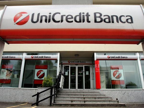Unicredit in profondo rosso nel 2013