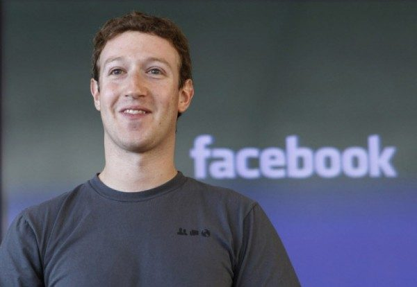 Mark Zuckerberg: stipendio sceso a 1 dollaro