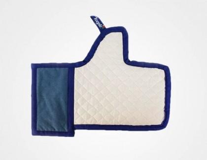 """Guanto da forno """"Mi piace"""" di Facebook"""
