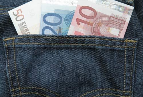 Renzi: 80 euro per 3 anni alle neomamme