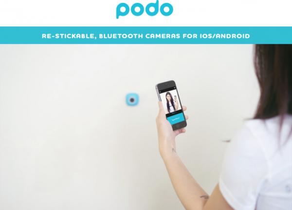 Podo, mini camera adesiva Bluetooth per selfie