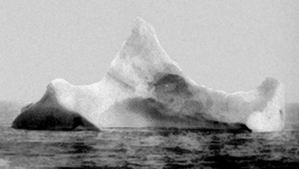 titanic-iceberg2