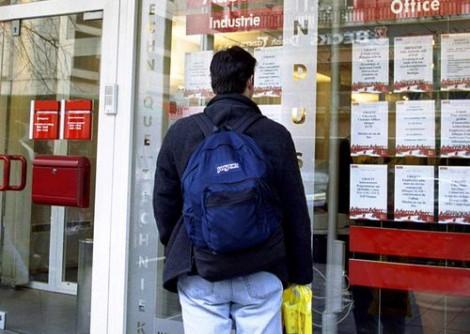 Disoccupazione giù al 12,4% in aprile