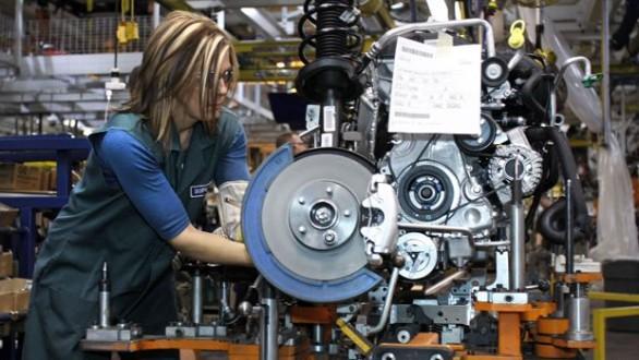 Industria, giù il fatturato ma ordini +7,9%