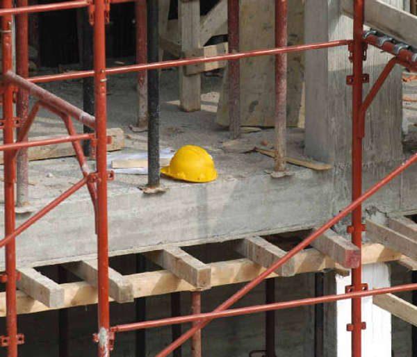Costruzioni, calano imprese e occupati