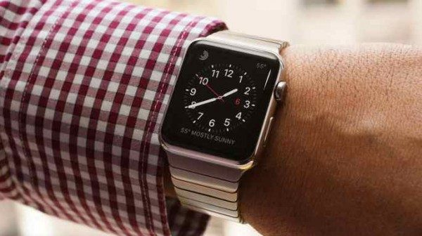 Apple Watch boom vendite, meglio di iPhone e iPad