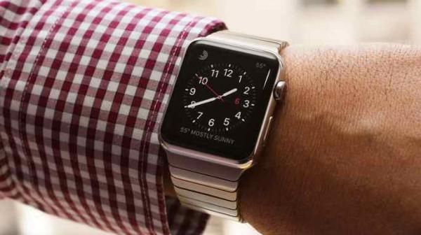 Apple Watch boom vendite, meglio di iPhone e iPad