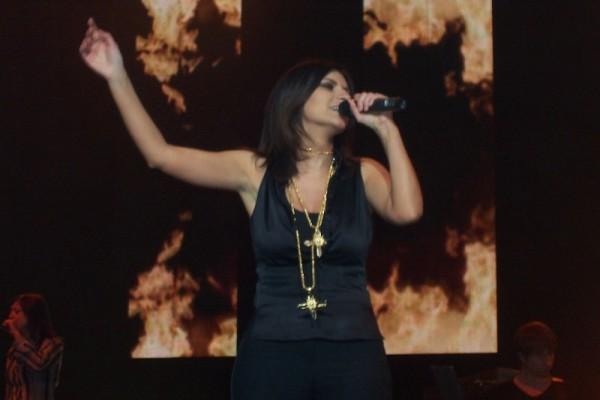 Simili il nuovo singolo di Laura Pausini