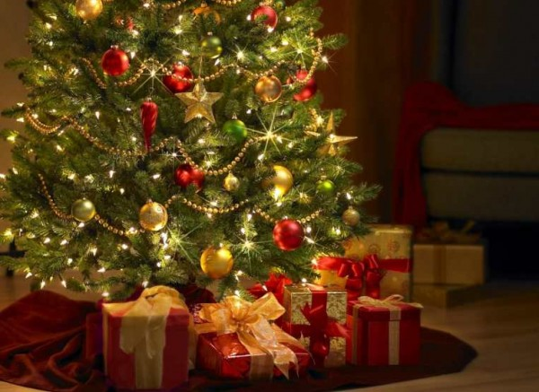 Regali Natale 2015 budget famiglie in calo