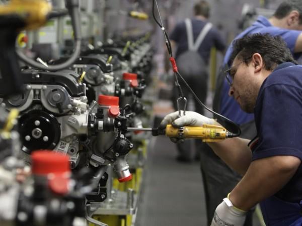 Produzione industriale Ue in crescita