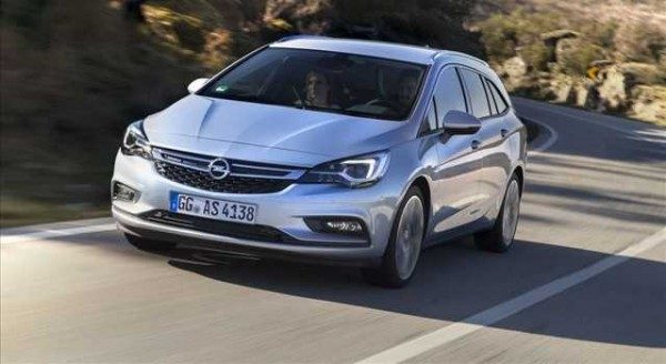 Opel Astra Sports Tourer: foto, caratteristiche, prezzi