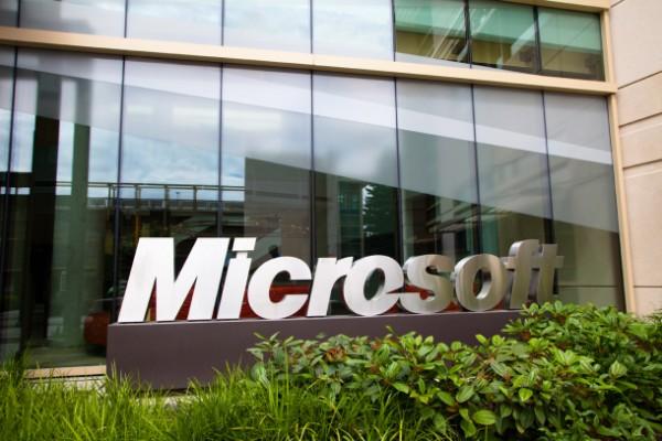 Microsoft in calo utili e ricavi trimestrali