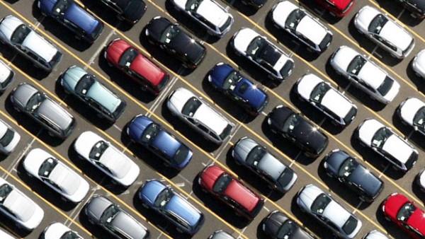 Auto Italia mercato cresce in aprile