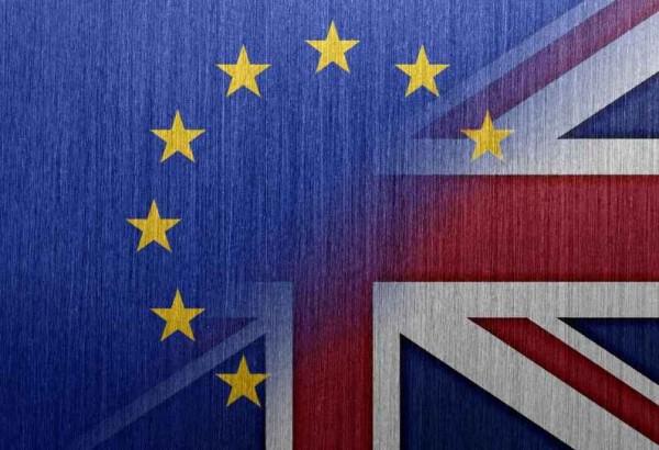 Brexit Gran Bretagna fuori dall'Ue, crollano le Borse