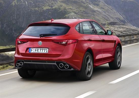 Alfa Romeo Stelvio potenza e debutto