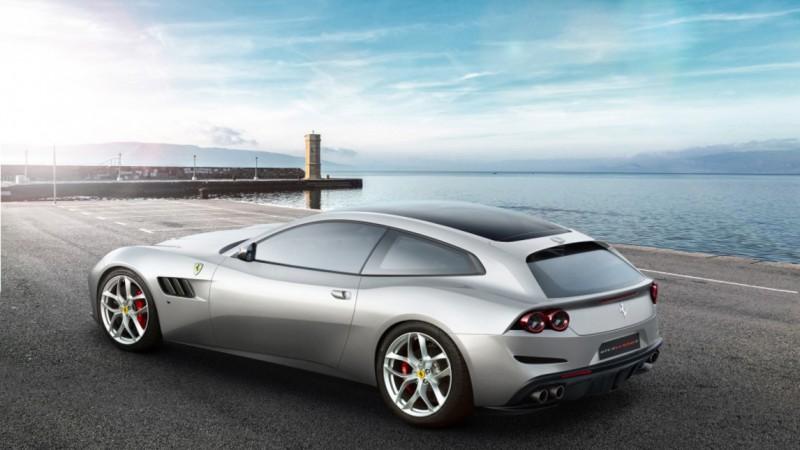 Ferrari GTC4 Lusso T: classe e potenza