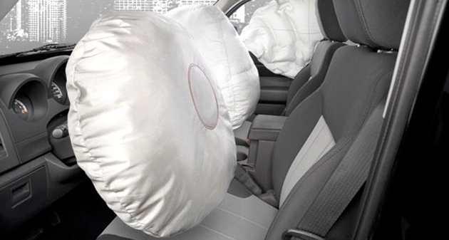 Maxi richiamo Toyota problemi airbag