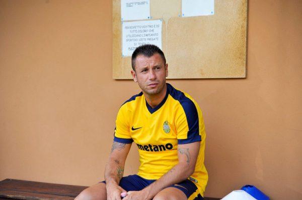 Cassano abbandona il Verona e il calcio